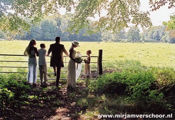 © Mirjam Verschoor bruidsfotografie in bos